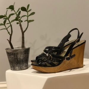 Black Strapped Wedges with Wooden Heel